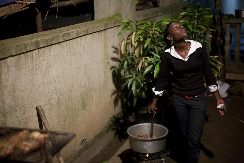 2009_12_XMASinUganda21