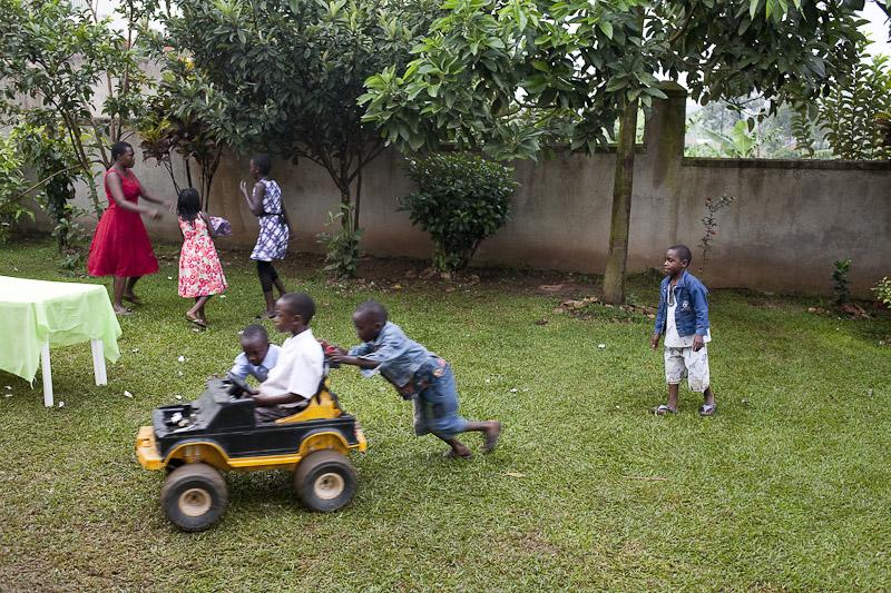 2009_12_XMASinUganda_after13_4